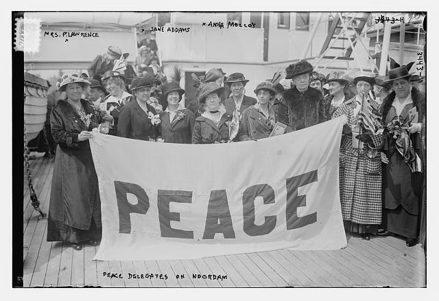 Mary Heaton Vorse with a gathering of peace delegates